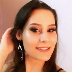 Priscila Presley